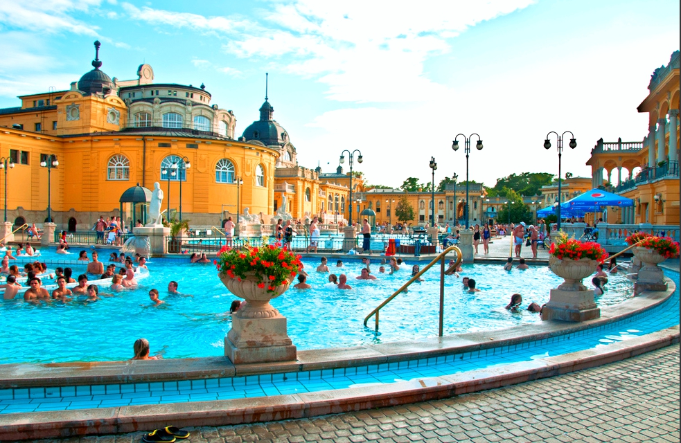 Szechenyi Spa Baths Budapesta-Swimming Pool