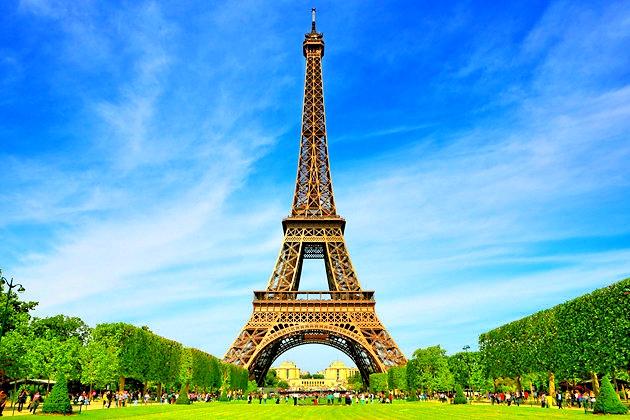 Tour Eiffel-Paris, Franta-by day