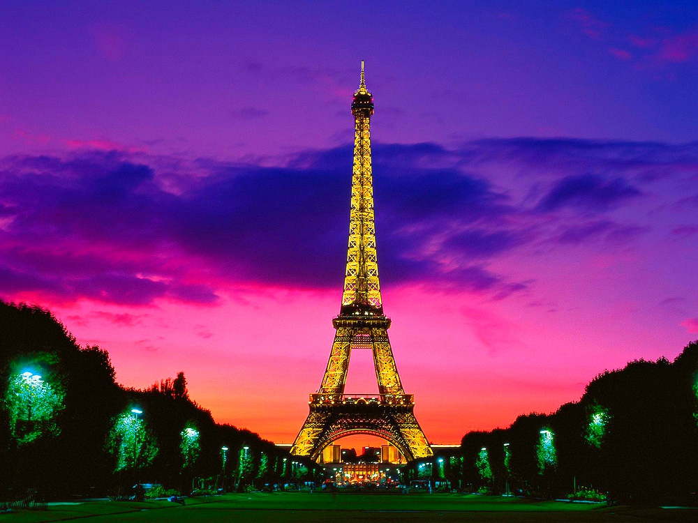 tour-eiffel-paris-franta-by-night